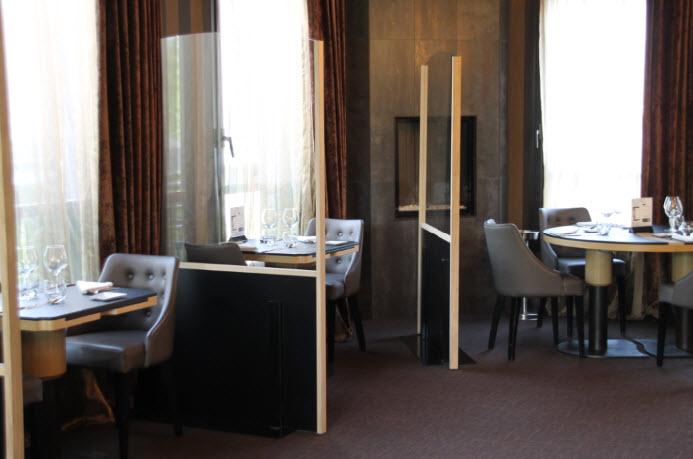 séparateur de table pour restaurant