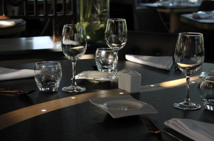 table sur mesure restaurant gastronomique à angers